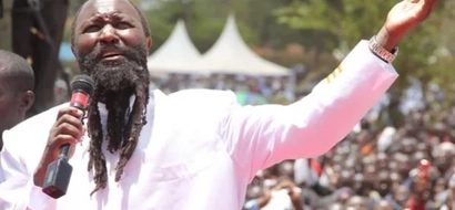 Worshipers wash Nakuru roads with soap to prepare the way for Prophet Owuor (photos, video)