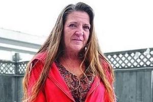 La despidieron de un restaurante escolar por regalar comida a niña de 12 años