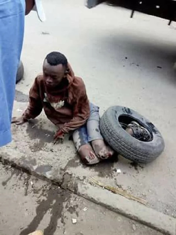 Hell breaks loose after Komarock residents catch a teenage phone thief (photo)