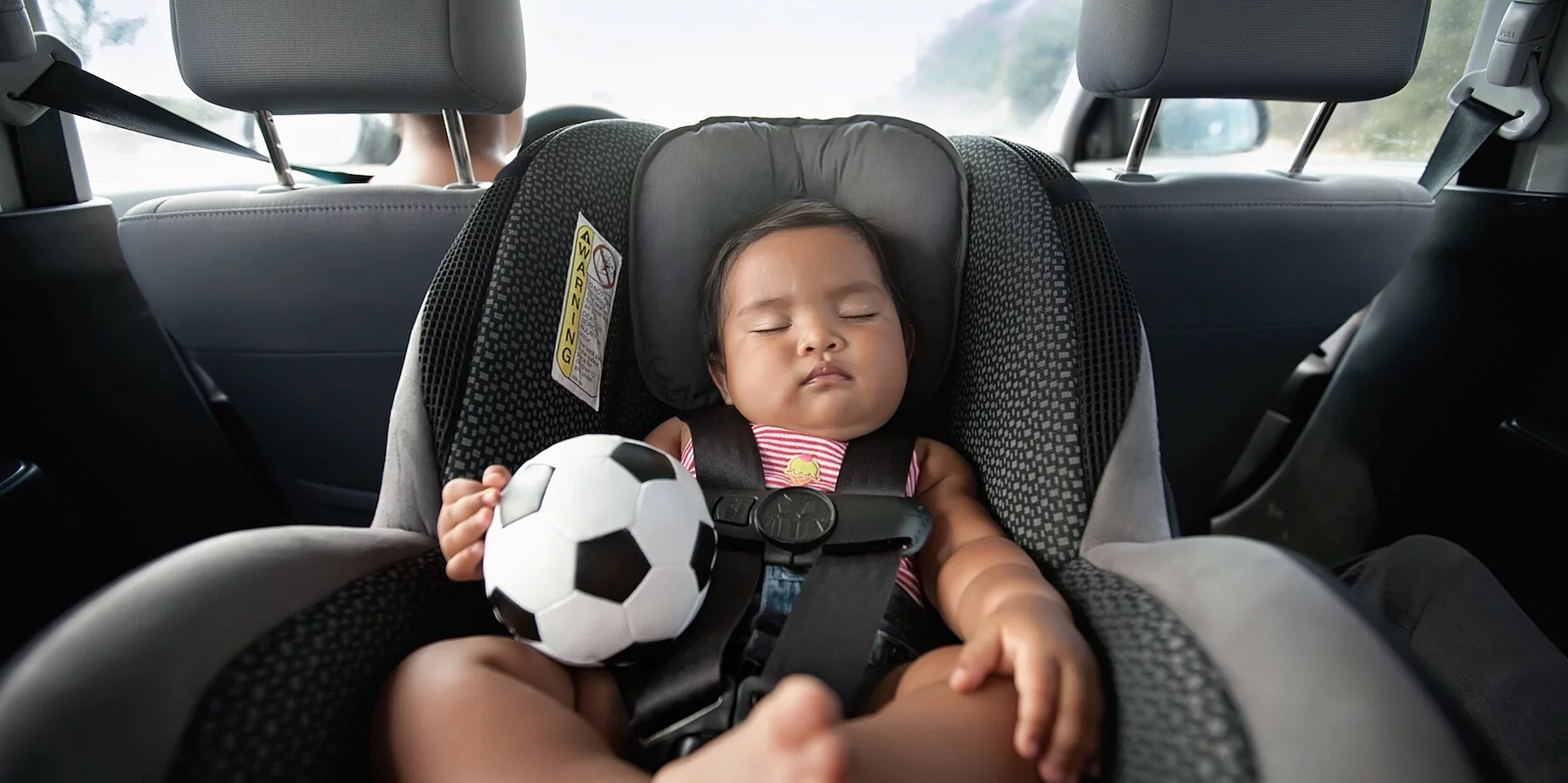 How much should a baby weigh to face forward in car seat?
