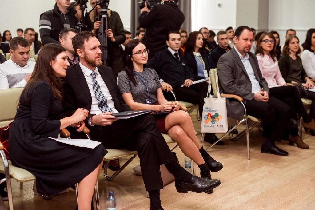 """Tinerii Partidului Politic """"Șor"""" învață bunele practici electorale"""