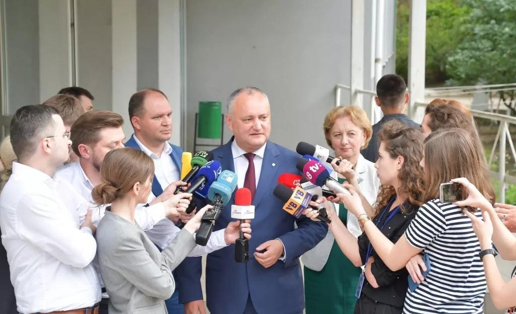 Igor Dodon: Coaliție cu cei de dreapta sau alegeri anticipate