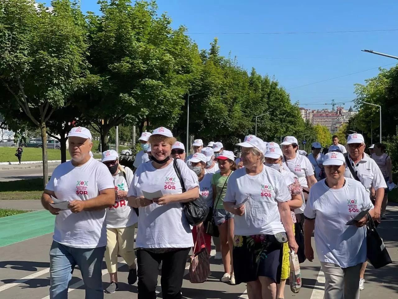 """Mii de oameni au participat la marșuri de mobilizare și au îndemnat la vot pentru Partidul """"Șor"""""""