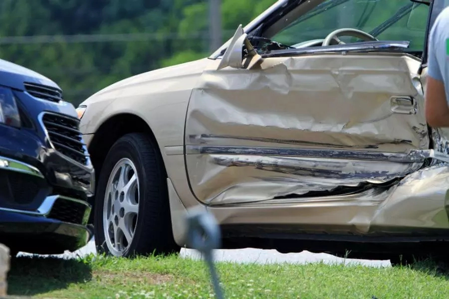Sideswipe accident; Causes, injuries & how to prevent it