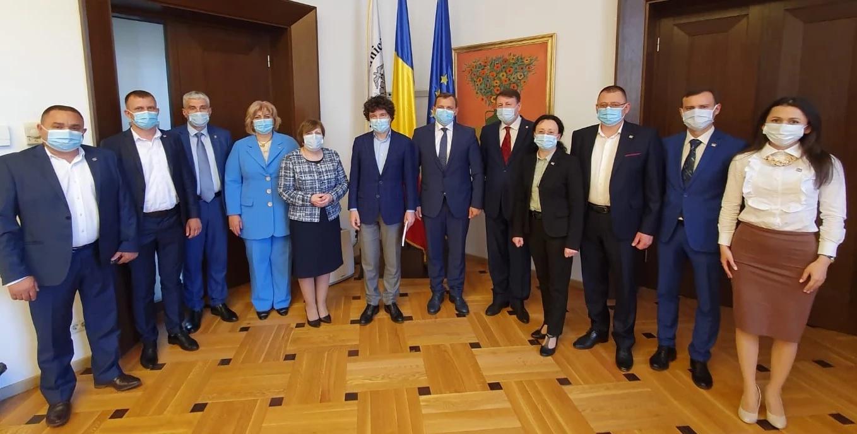 O delegație a Platformei DA întreprinde o vizită de lucru în București