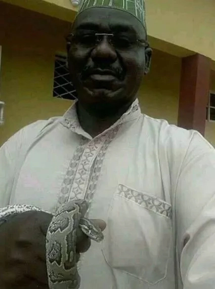 Chief Of Army Staff, General Buratai Takes A Selfie With His Pet, A Snake, Then What Happened Next Will Put The Fear Of God In You