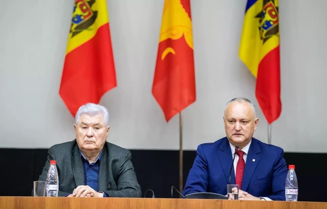 Igor Dodon și Vladimir Voronin au avut o ședință de lucru cu toți candidații Blocului la funcția de deputat