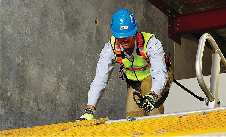 How to check your hard hat expiry date & criteria for replacement