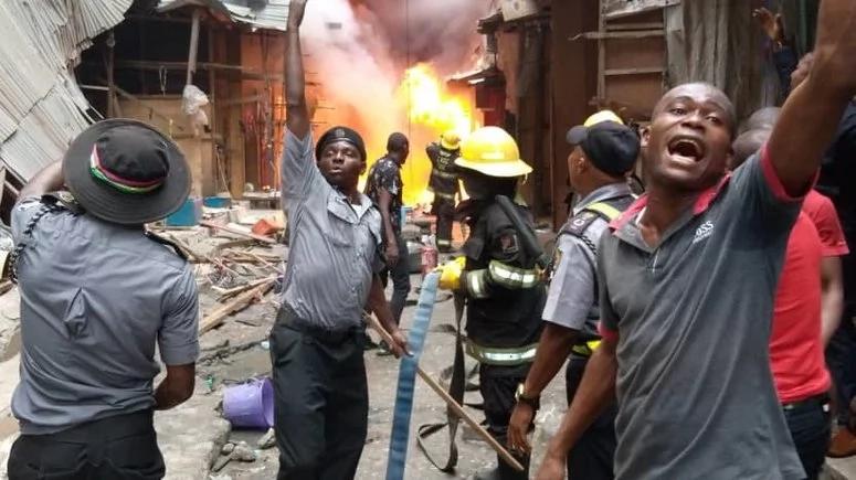 Fire Outbreak - 8 shops destroyed in Apongbon Market