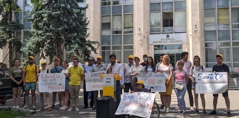 Flashmob PAS Youth, după demiterea lui Ion Iovcev de către Lilia Pogolșa