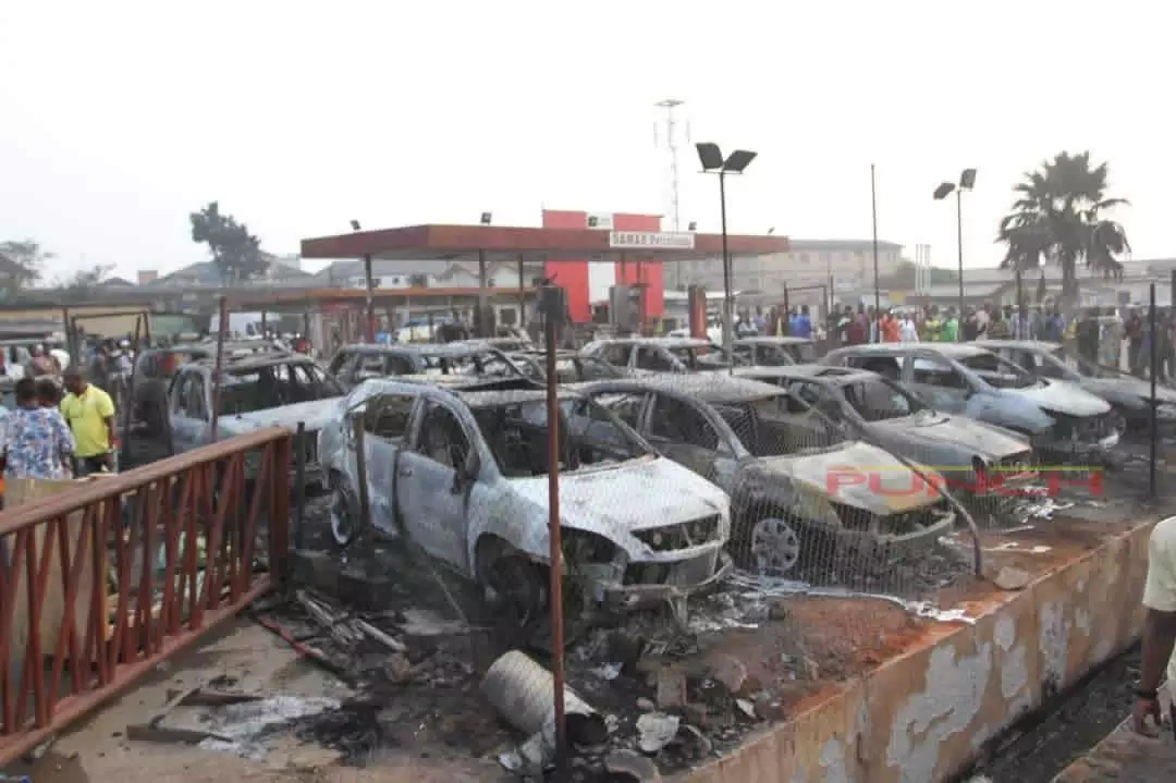 Victims of the Pipeline Explosion in Abule Egba blames Government for the mishap
