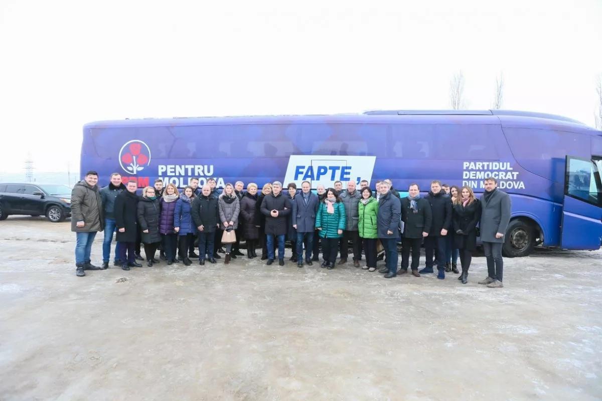 Încrezători în victorie, candidații democrați au dat startul caravanei electorale a PDM
