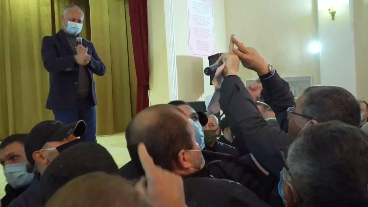 Dodon a fugit de la o întâlnire electorală planificată
