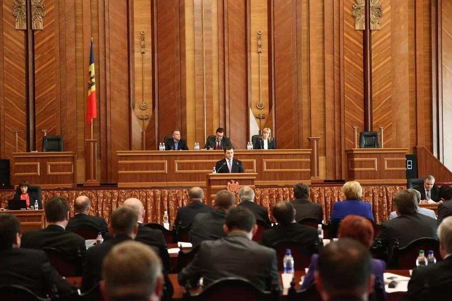 Discursul Prim-ministrului Vlad Filat pe marginea atacurilor care au avut loc la acționariatele mai multor bănci