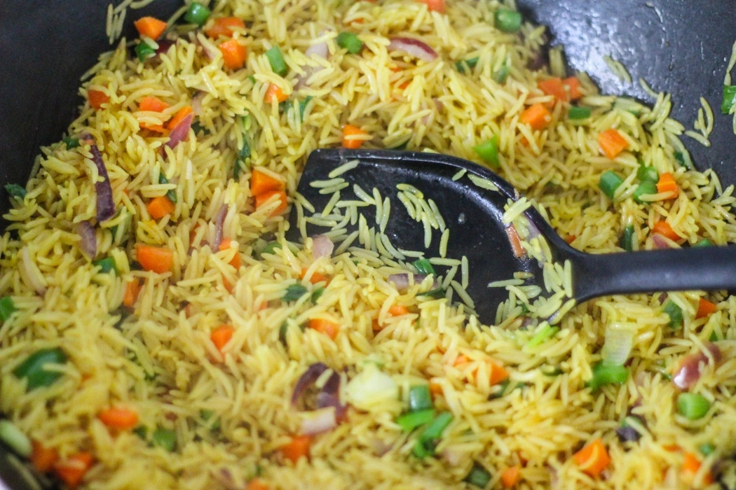 How to Prepare Fried Rice in Nigeria
