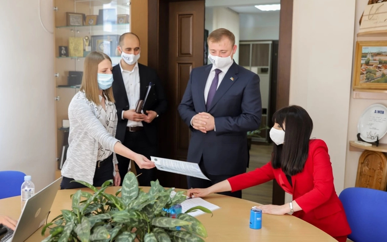 PAS folosește ilegal imaginea președintelui Republicii Moldova în campania electorală
