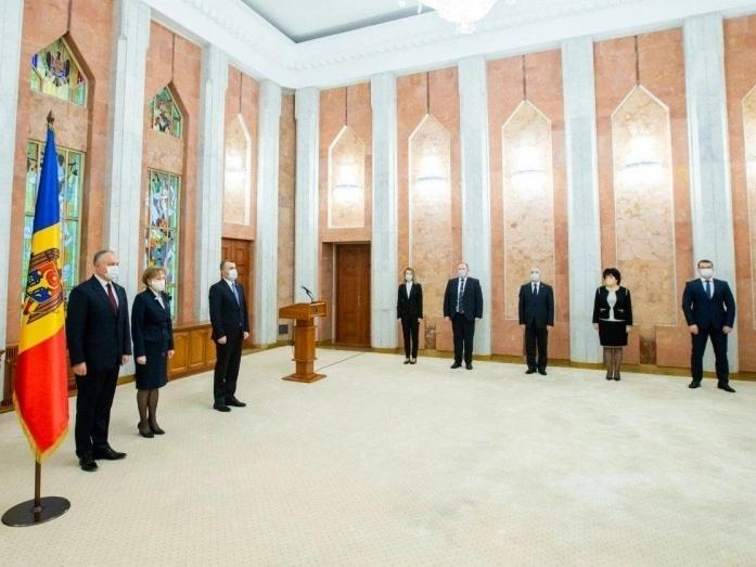 Ceremonia de depunere a jurământului de către noii membri ai Guvernului